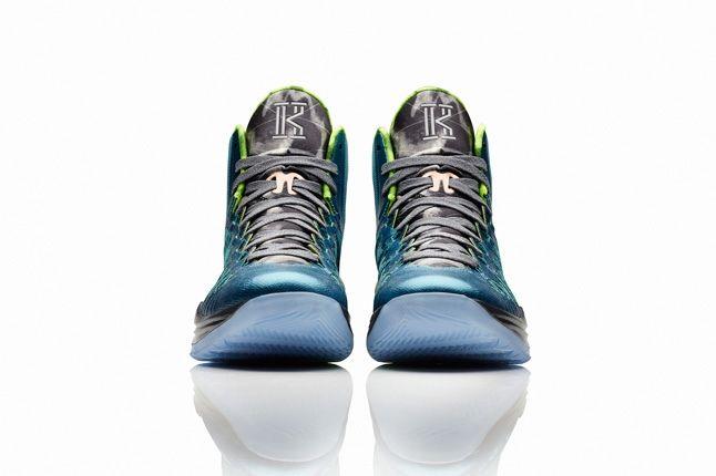 Nike Hyperdunk 2013 Kyrie Irving 1