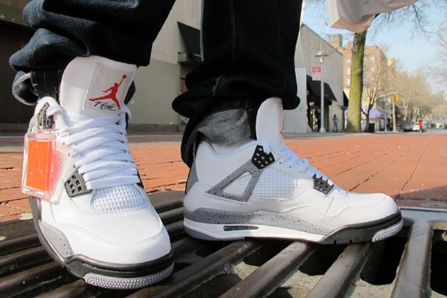 Air Jordan Iv White Cement On Feet 04 1