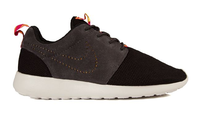Nike Roshe Run Perf Swoosh Black Grey Pink 3