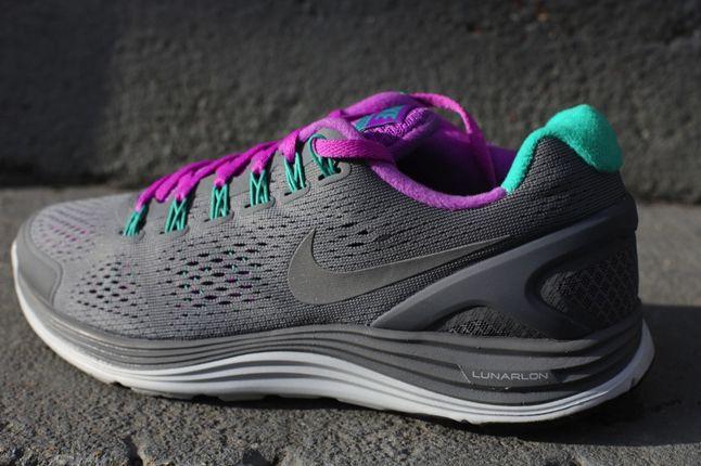 Nike Lunarglide 4 Cool Grey Laser Purple Quater Heel 1