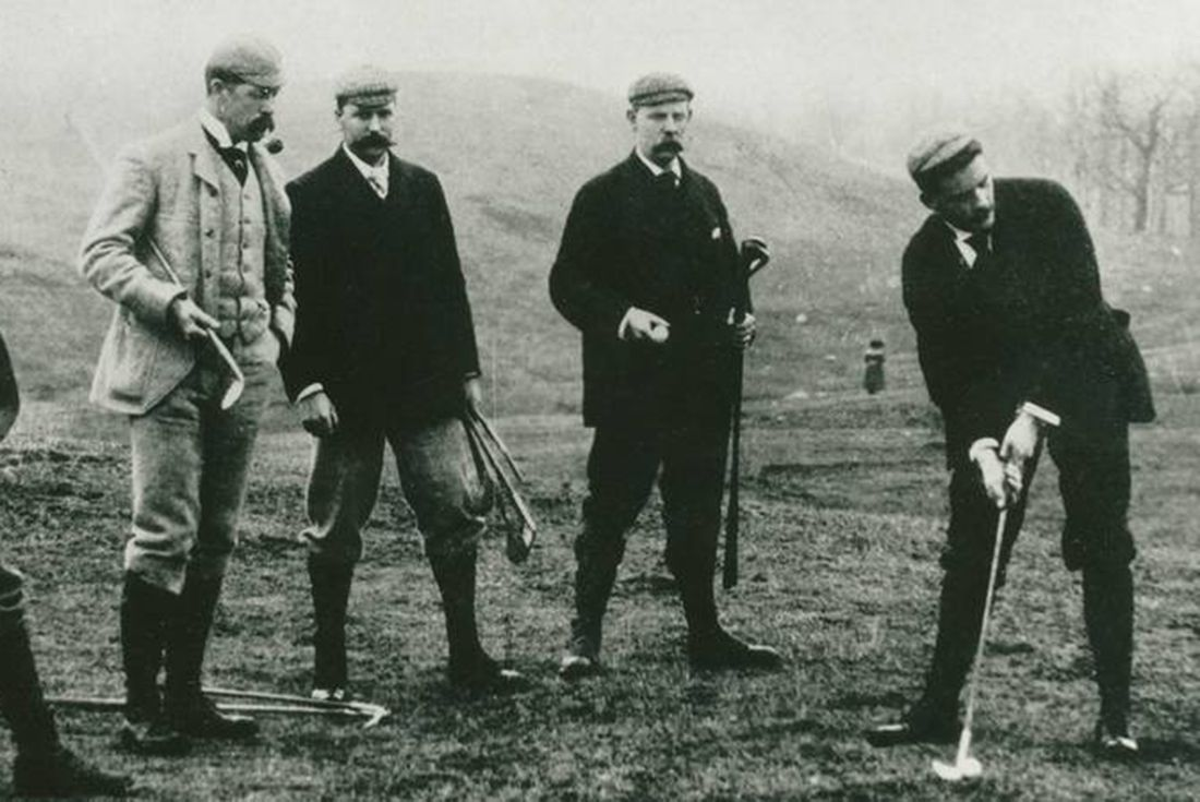 old golfers