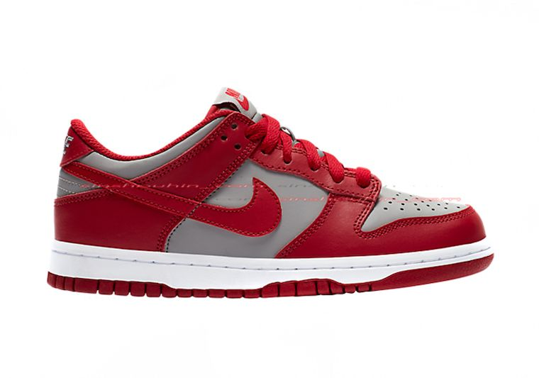 Nike Dunk Low GS Grey Red Right