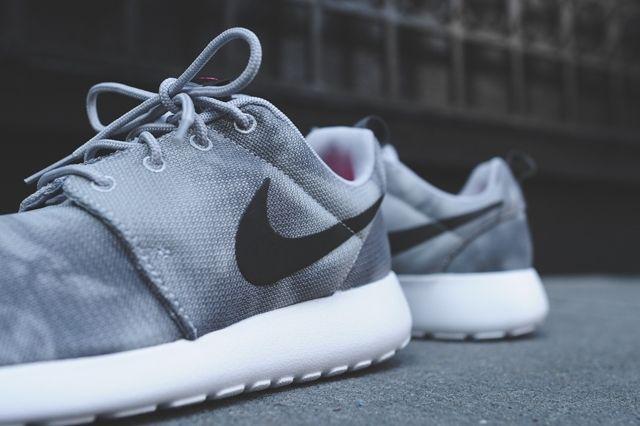 Nike Roshe Run Marble Bumperoo 3