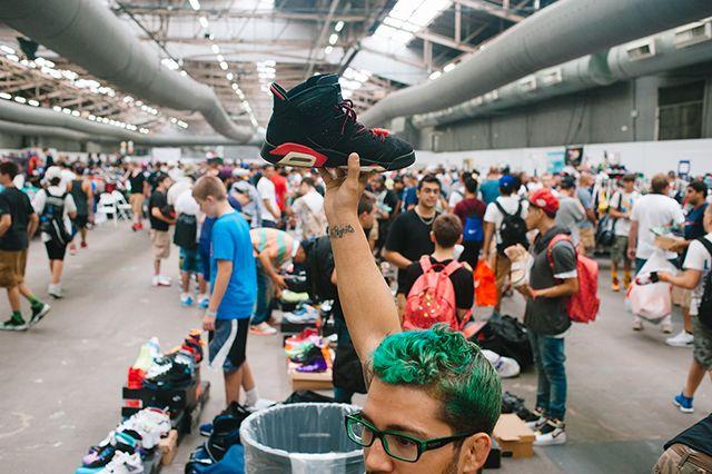 Sneaker Con 70