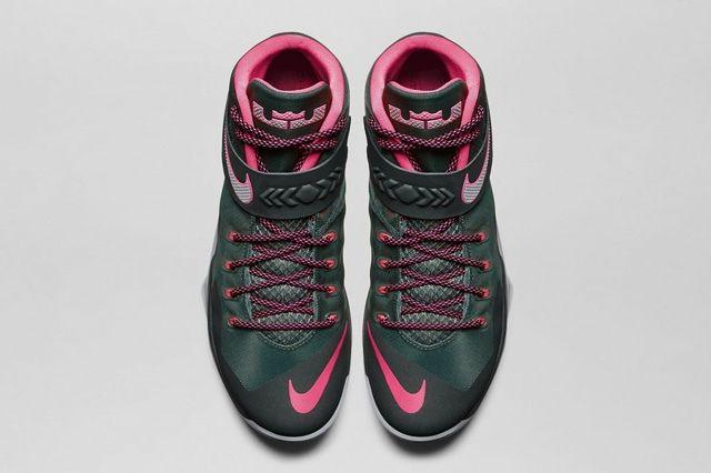 Nike Zoom Soldier 8 Black Pink 3