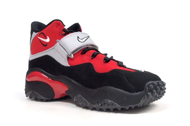 Nike Air Zoom Turf Red Perspective2