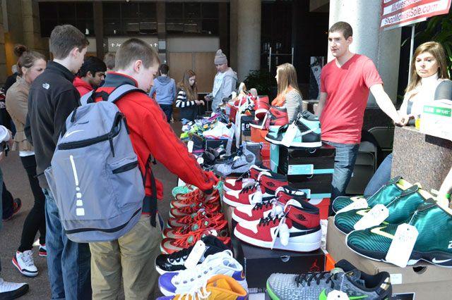 Bucks Sneaker Summit 18