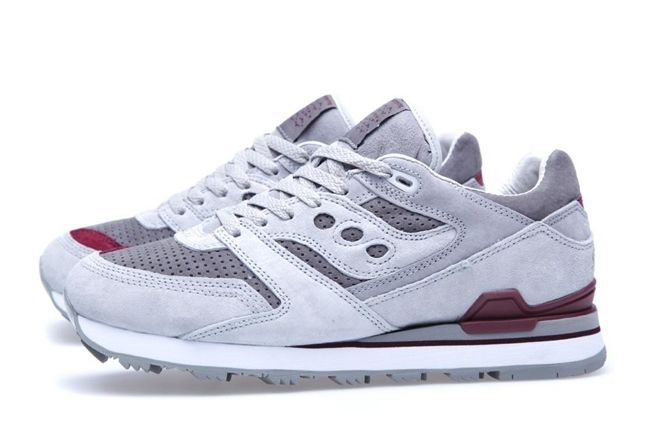 White Mountaineering X Saucony Courageous Profile 1