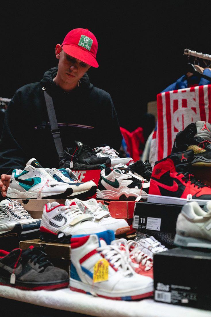 Sneakerness Zurich 2019 Event Recap 44 Customer Browsing