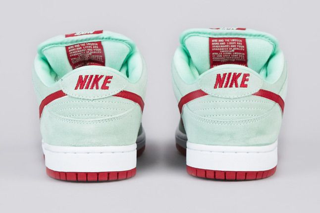 Nike Sb Dunk Low Pro Medium Mint Gym Red White 4 Heels 1
