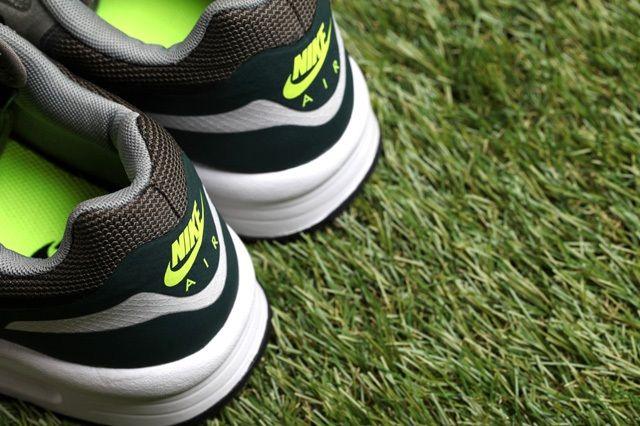 Nike Air Max Light Water Resistant Pack 7