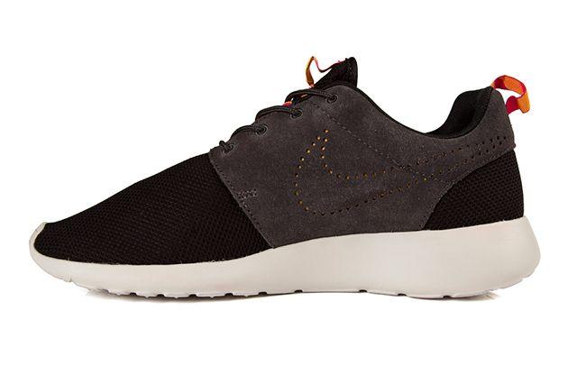 Nike Roshe Run Perf Swoosh Black Grey Pink 4