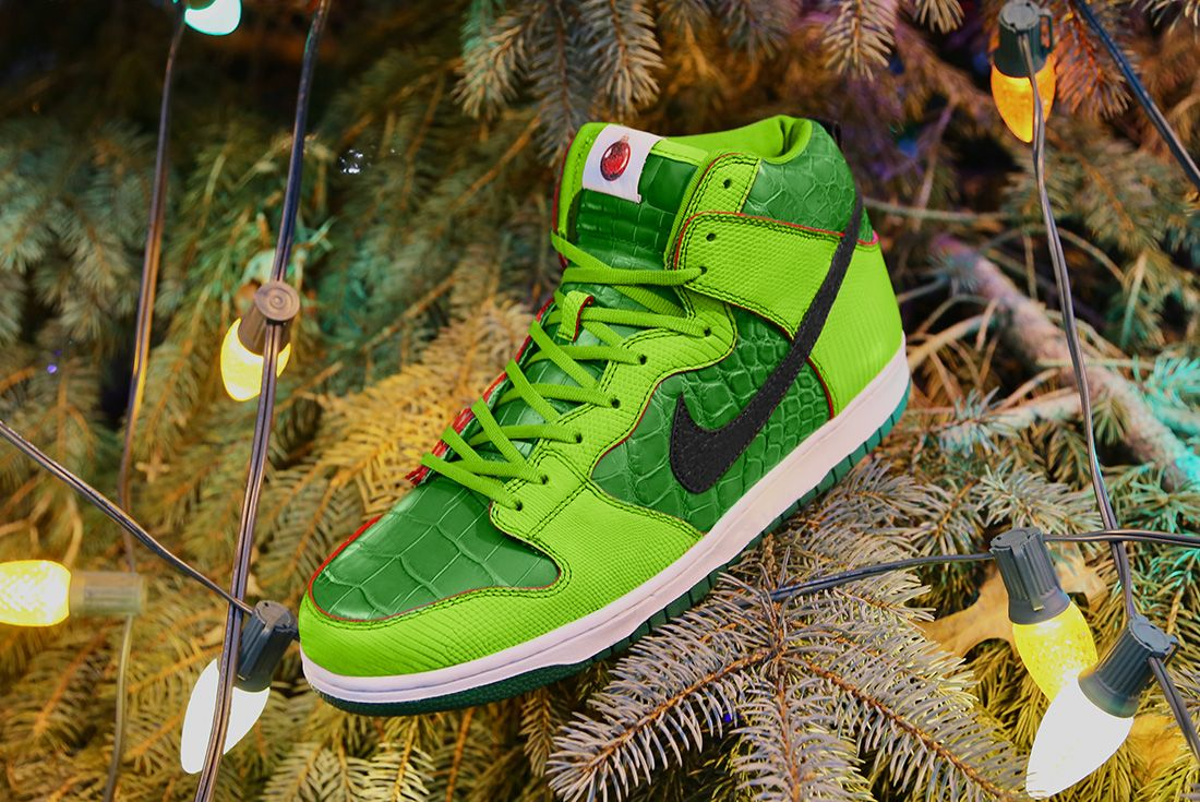 Nike SB High Dunk 'Grinch' ceeze hero