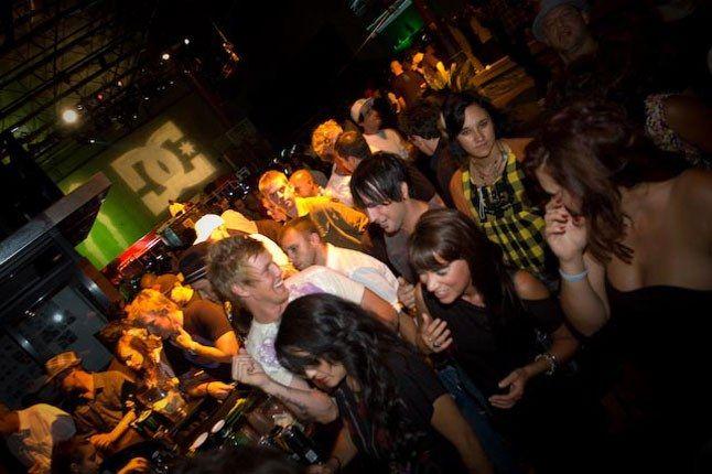 Crowd 2 1