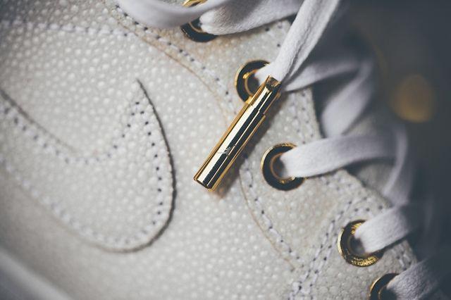 Air Jordan 1 Pinnacle Gold 2