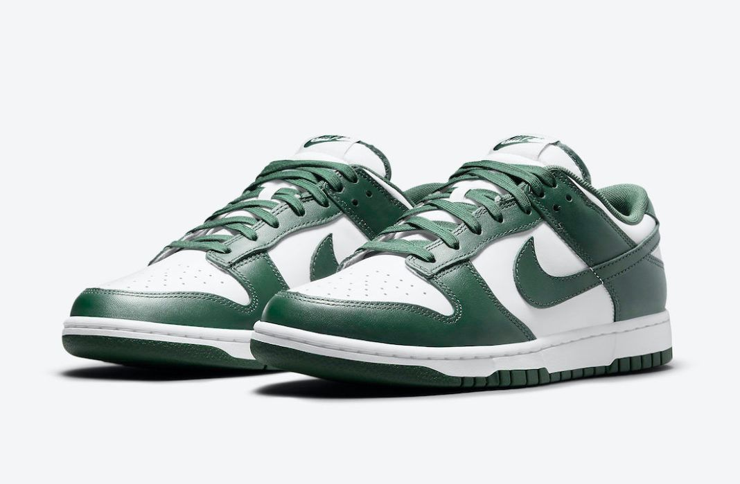nike dunk low varsity green official