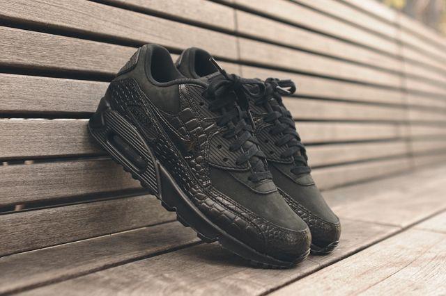 Nike Wmns Air Max 90 Triple Black Croc 5
