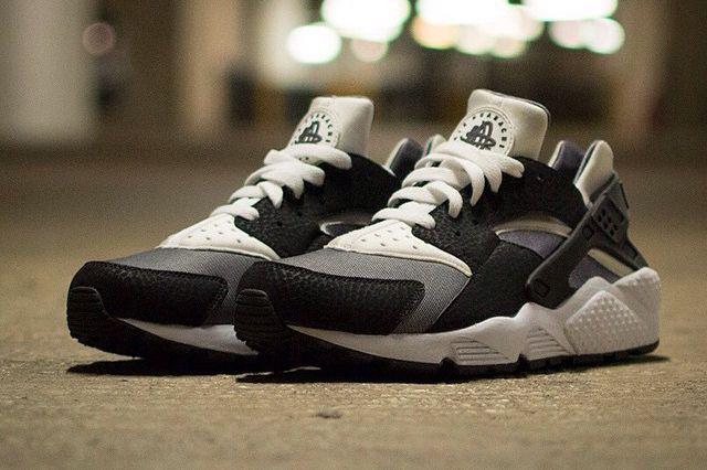 Nike Air Huarache Black Grey White