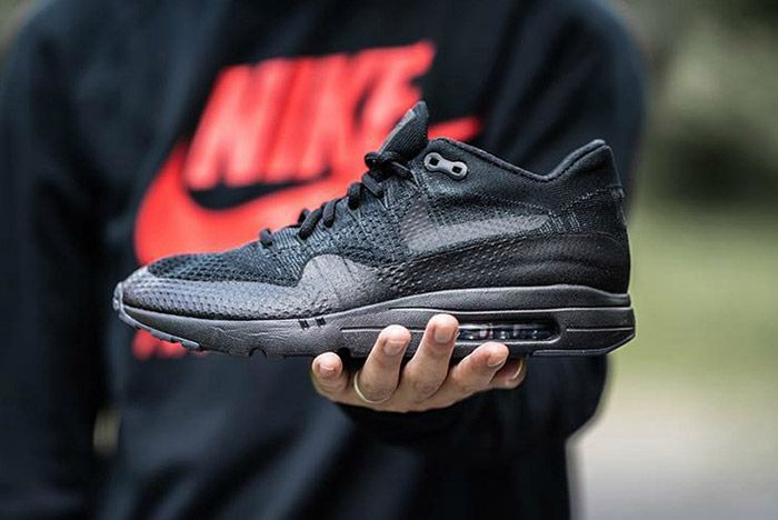 Nike Air Max 1 Flyknit Ultra Triple Black 2