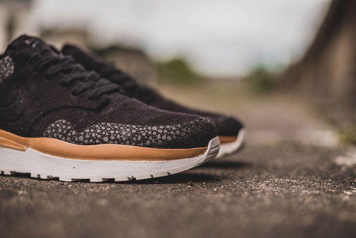 Nike Air Safari Royal Black 5