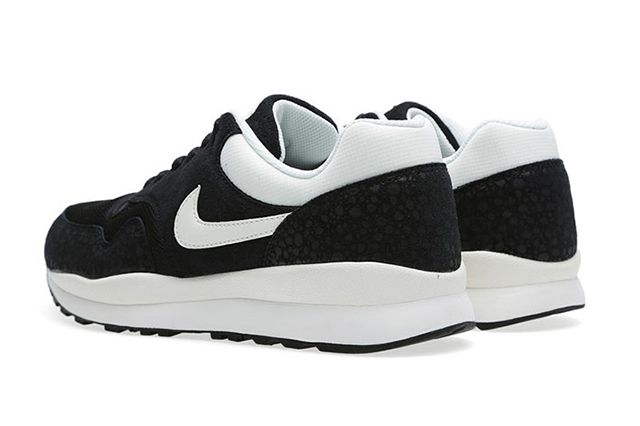 Nike Air Safari Black Sail 3