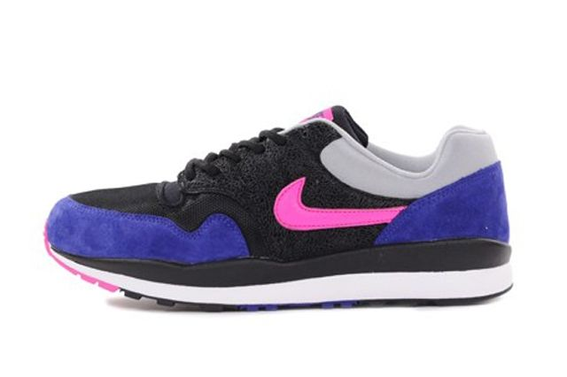 Nike Air Safari 064 Profile