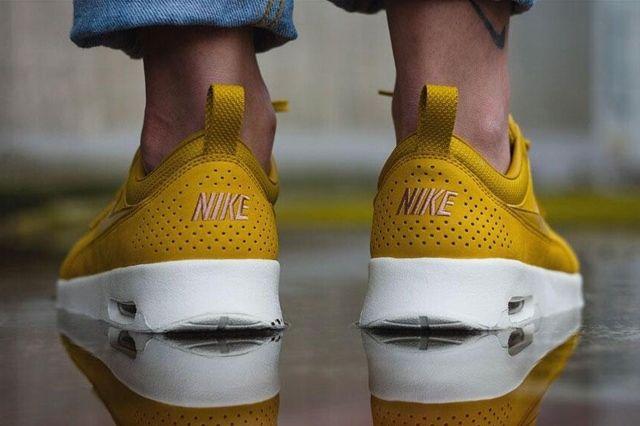 Nike Air Max Thea Golden 2