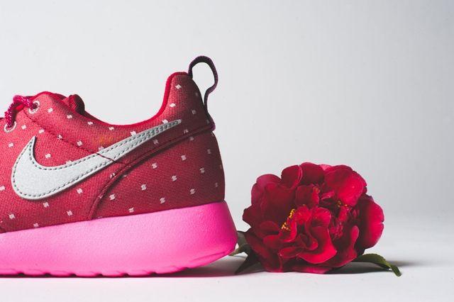 Nike Roshe Run Print Red Metallic Silver 3