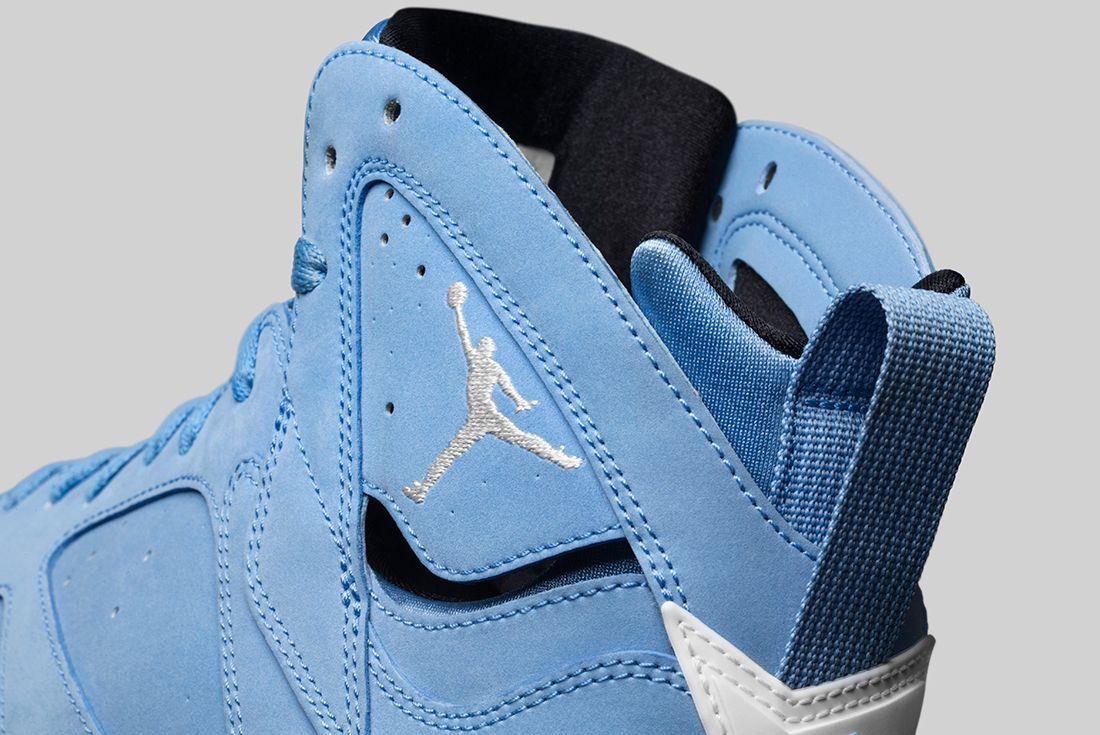 Air Jordan 7 University Blue3