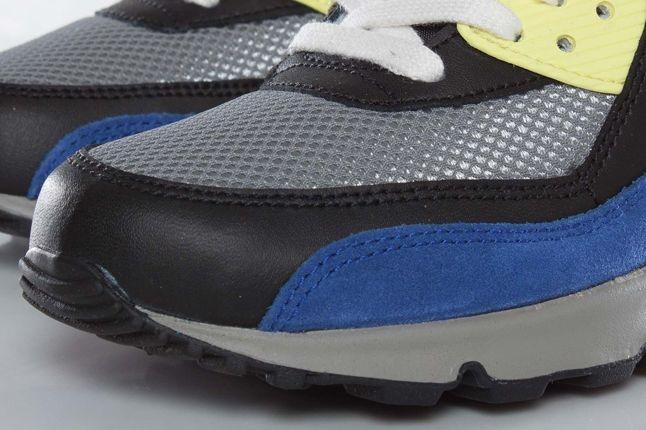 Nike Wmns Airmax90 Toecap Detail 1