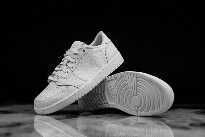 Air Jordan 1 Low Swooshless White 5