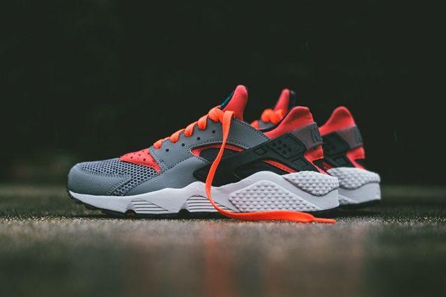 Nike Huarache Cool Grey Bright Crimson 3