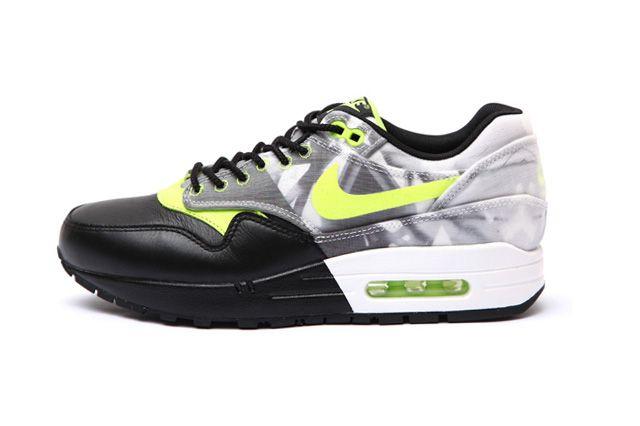 Nike Wmns Roshe Run Air Max 1 Training Pack 3