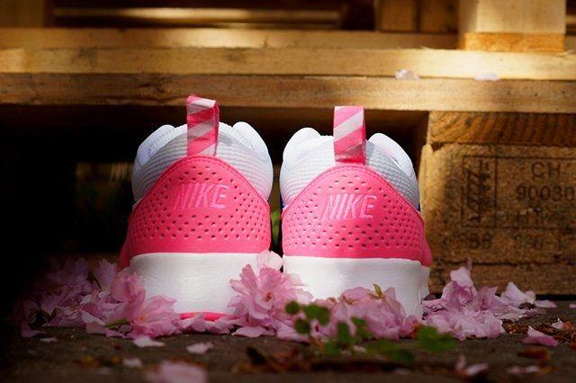 Nike Air Max Thea Game Royal Pink Glow 1