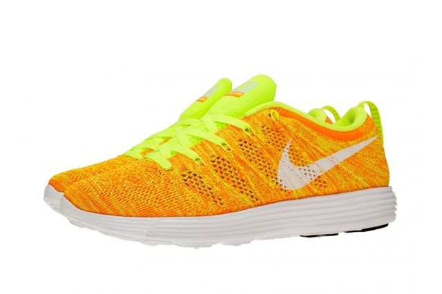 Nike Wmns Flyknit Trainer February Releases 4