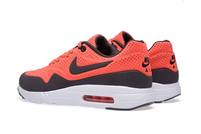 Nike Am1 Ultra Moire Rio Anthracite Bump 1