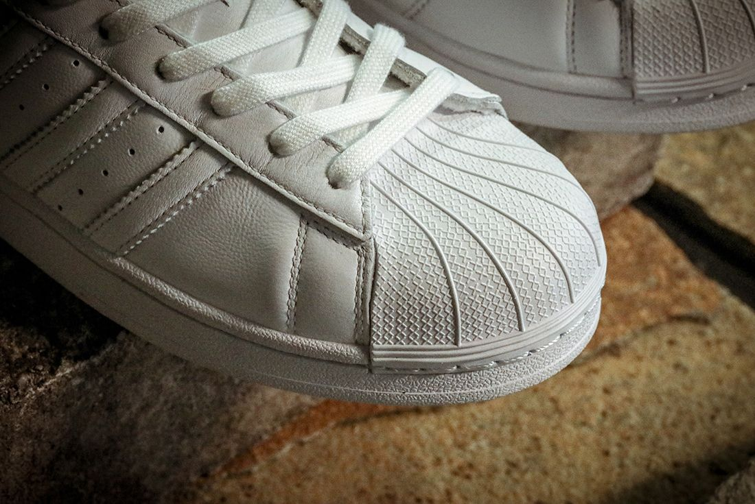 Adidas Superstar Home Of Classics Right Toe Detail