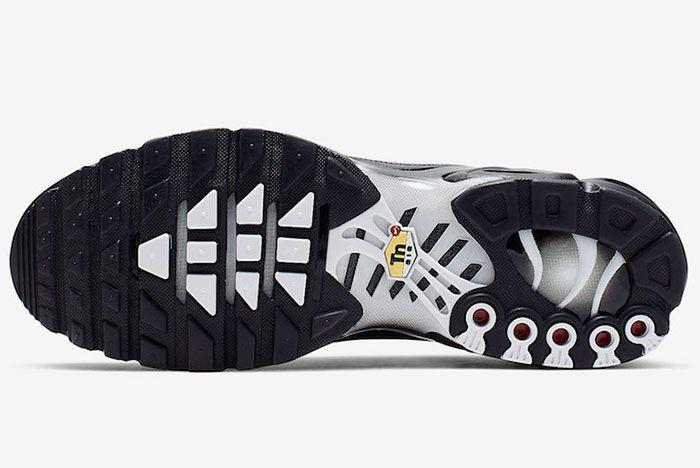 Nike Air Max Plus Tn Se Black White Ci7701 002 Sole Shot 2