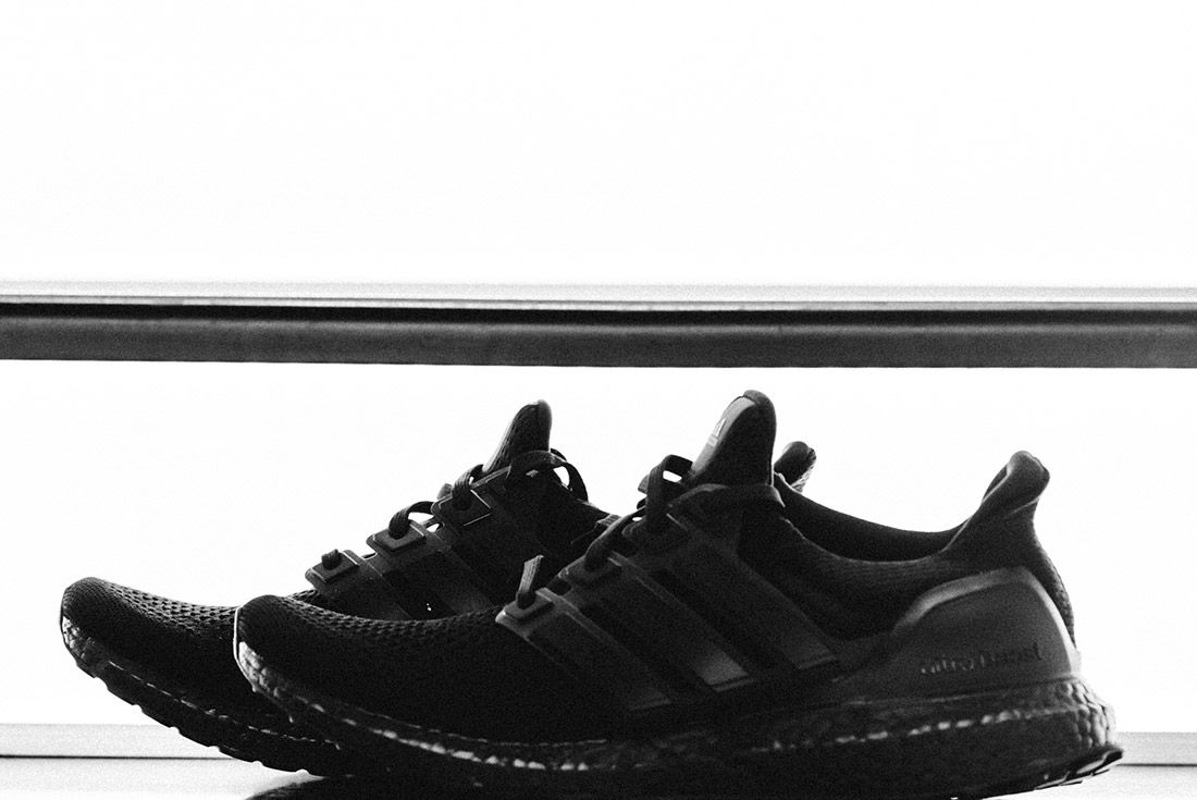 Van Styles Adidas Ultra Boost Triple Black 8