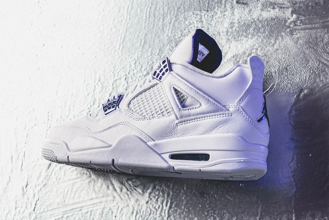 Air Jordan 4 Metallic Purple Angled Heel