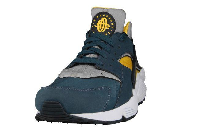 Nike Air Huarache Sulfur Squadron Blue Toe 1