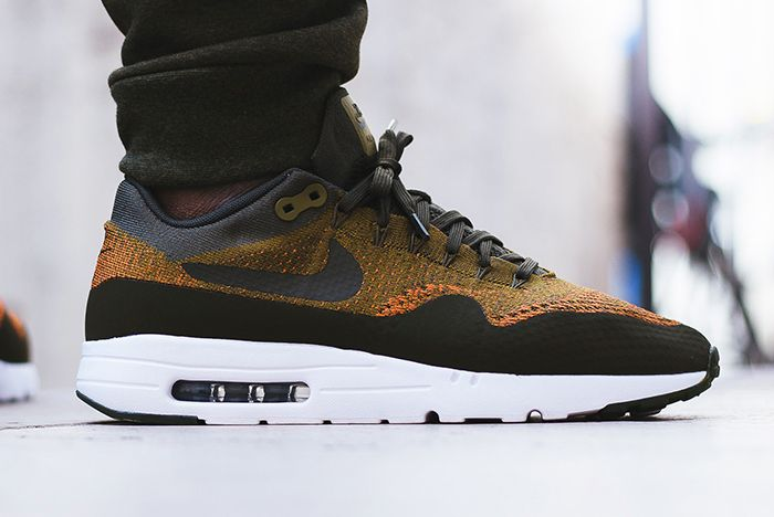 Nike Air Max 1 Ultra Flyknit Olive Flakfeature