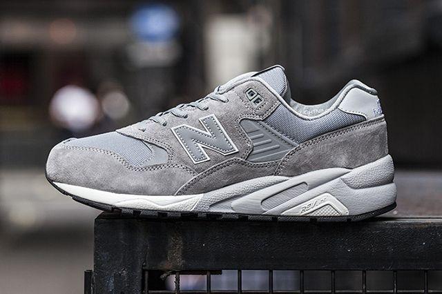 New Balance Mt580 Greywhite2