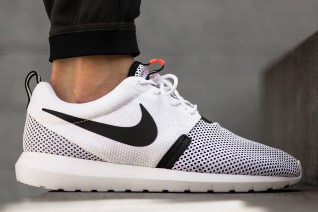 Nike Roshe Run Nm Breeze White Balck Hot Lava 01