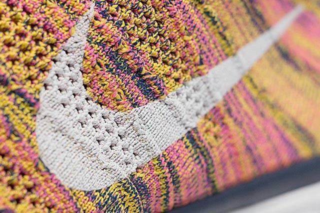 Nike Free Flyknit Chukka Pink Yellow Midnight Navy 04
