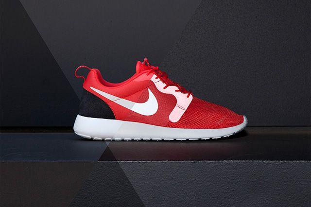 Nike Roshe Run Hyperfuse Light Crimson Platinum1