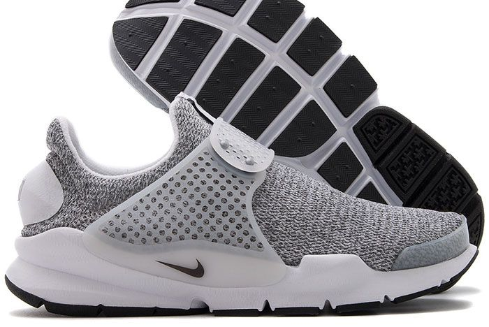 862412100 Nike Womens Sock Dart Se White Black 2