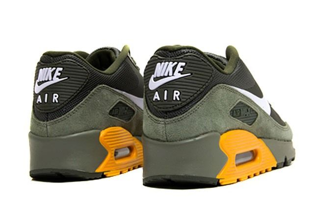 Air Max 90 Thermoplastic Heel 1