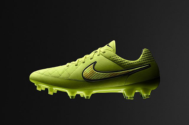 Nike Football Summer Boot Collection Tiempo Sideview