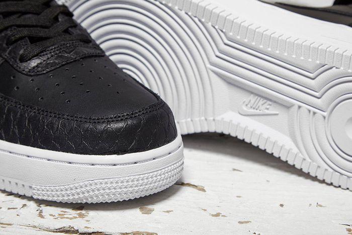Nike Air Force 1 Mid Black Python 1